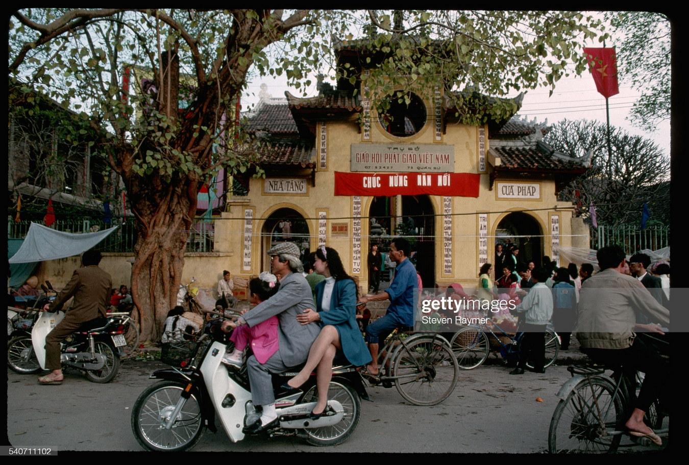 Tết Nguyên đán ở Hà Nội năm 1994 qua ảnh của Steve Raymer