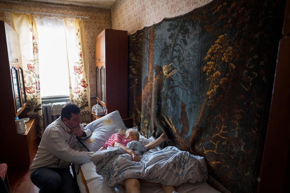 Ukraina: Noi bac si va benh nhan cung chat vat ton tai hinh anh 6