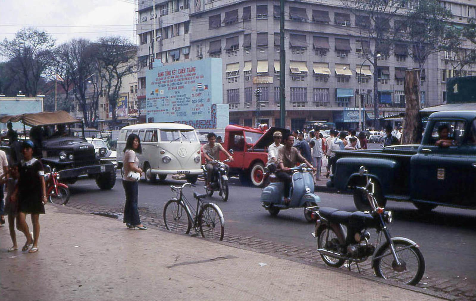 Sài Gòn năm 1968 trong ảnh của John F. Cordova