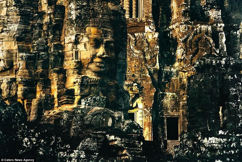 Chùm ảnh: Vẻ đẹp ma mị của những ngôi đền Khmer hoang phế