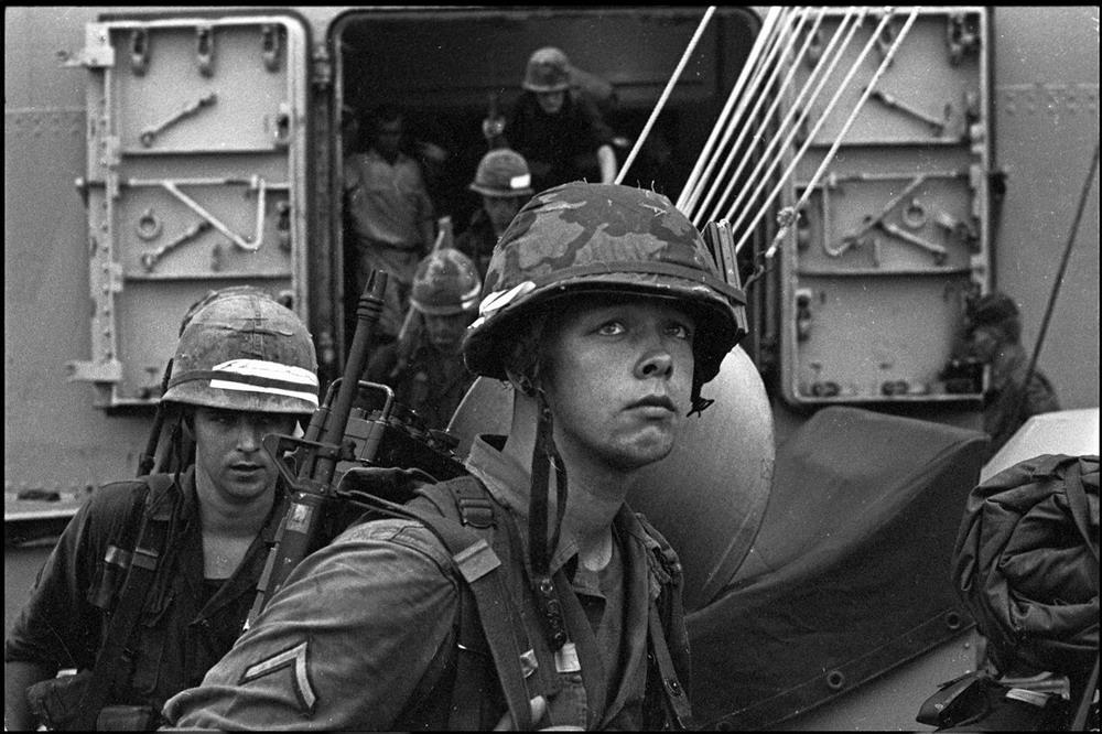 Cuộc chiến tranh Việt Nam năm 1965 qua ảnh của Francois Sully