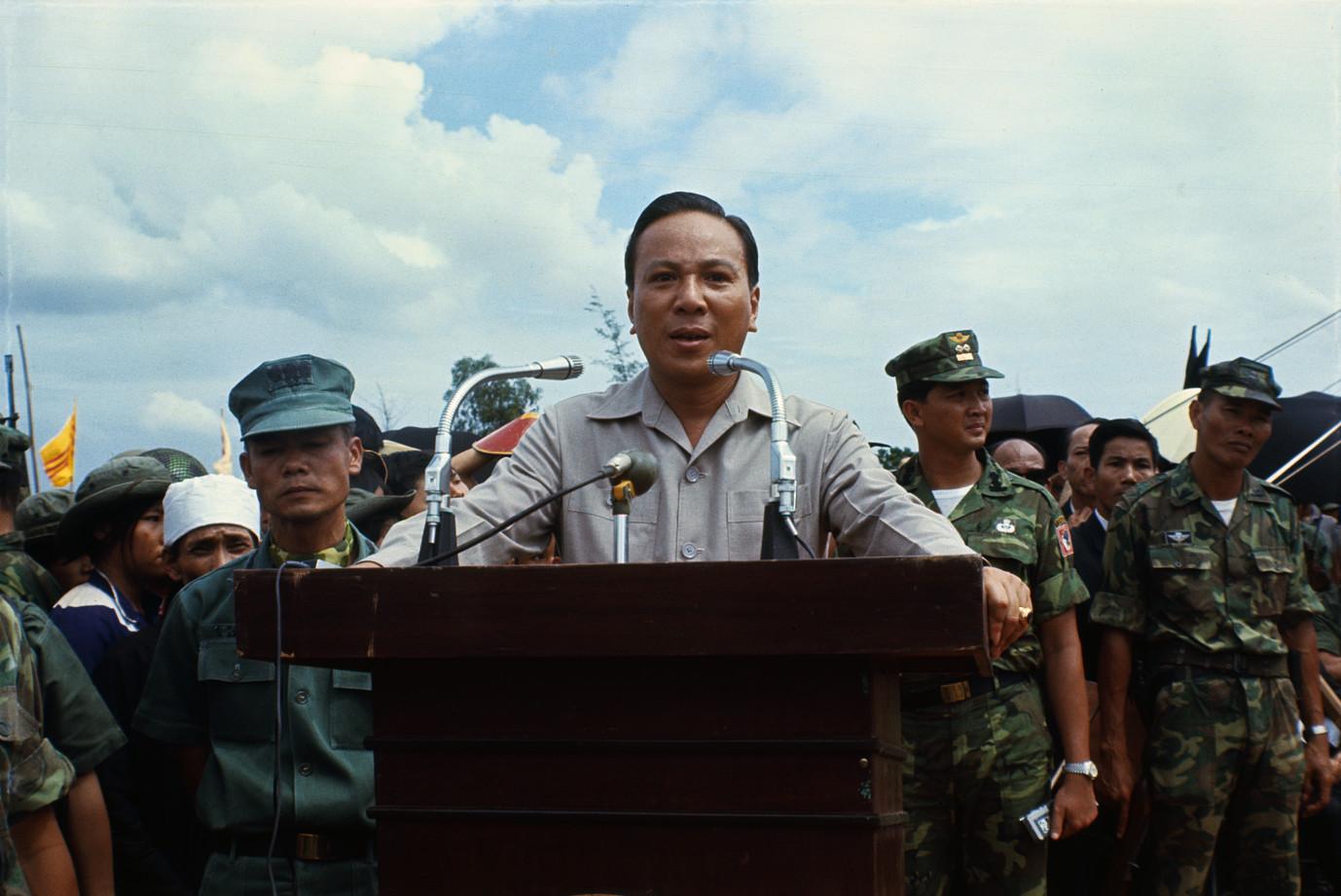 Tổng thống Nguyễn Văn Thiệu và nỗi sợ ám sát, đảo chính