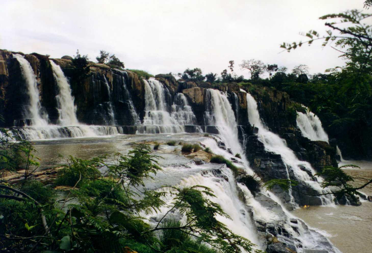 Chuyện về hai ngọn thác tuyệt đẹp bị bức tử ở Lâm Đồng