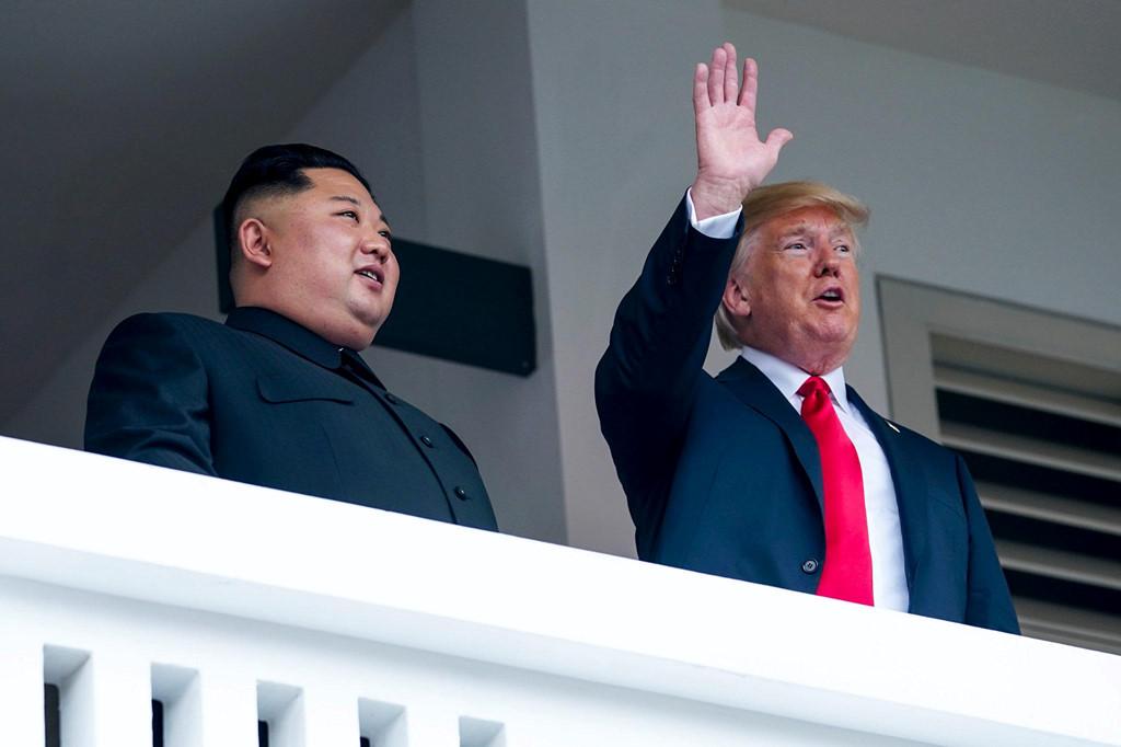5 lan bat tay, 4 cam ket lon trong ngay lich su Kim - Trump hinh anh 7