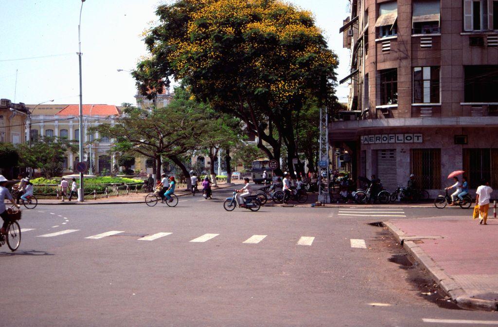 Redsvn Saigon 1989 Elmar Reich 17 - 60 bức ảnh tuyệt vời về Sài Gòn năm 1989 của Elmar Reich