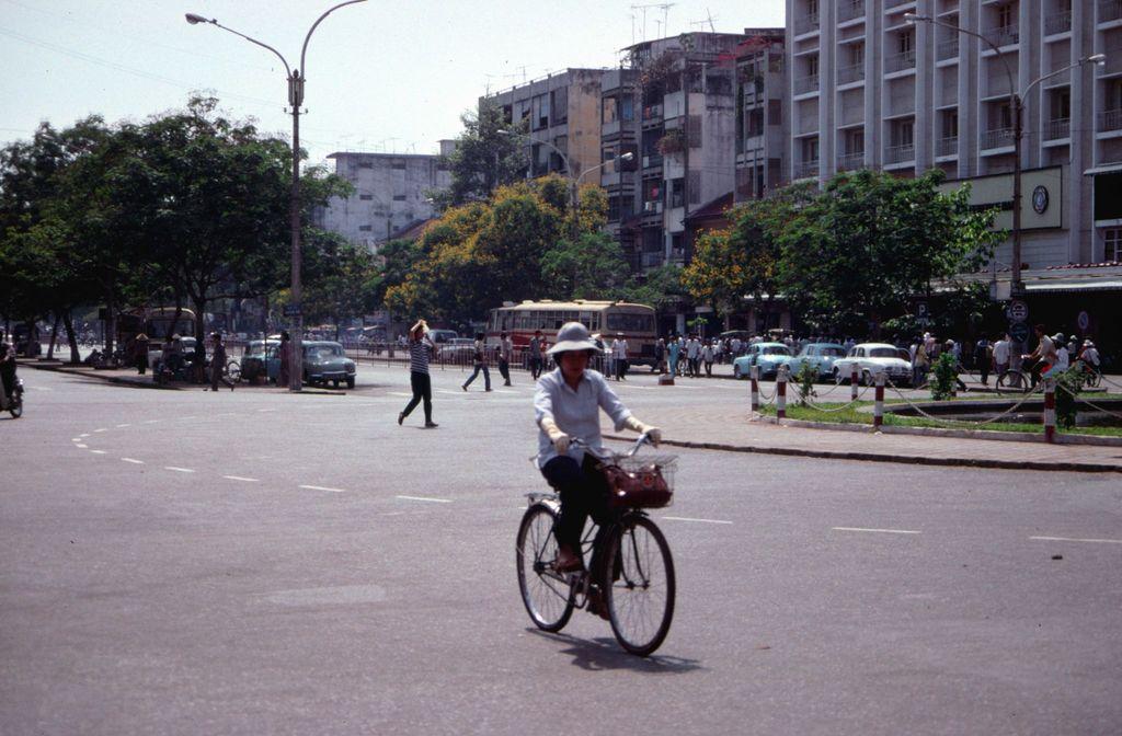 Redsvn Saigon 1989 Elmar Reich 18 - 60 bức ảnh tuyệt vời về Sài Gòn năm 1989 của Elmar Reich