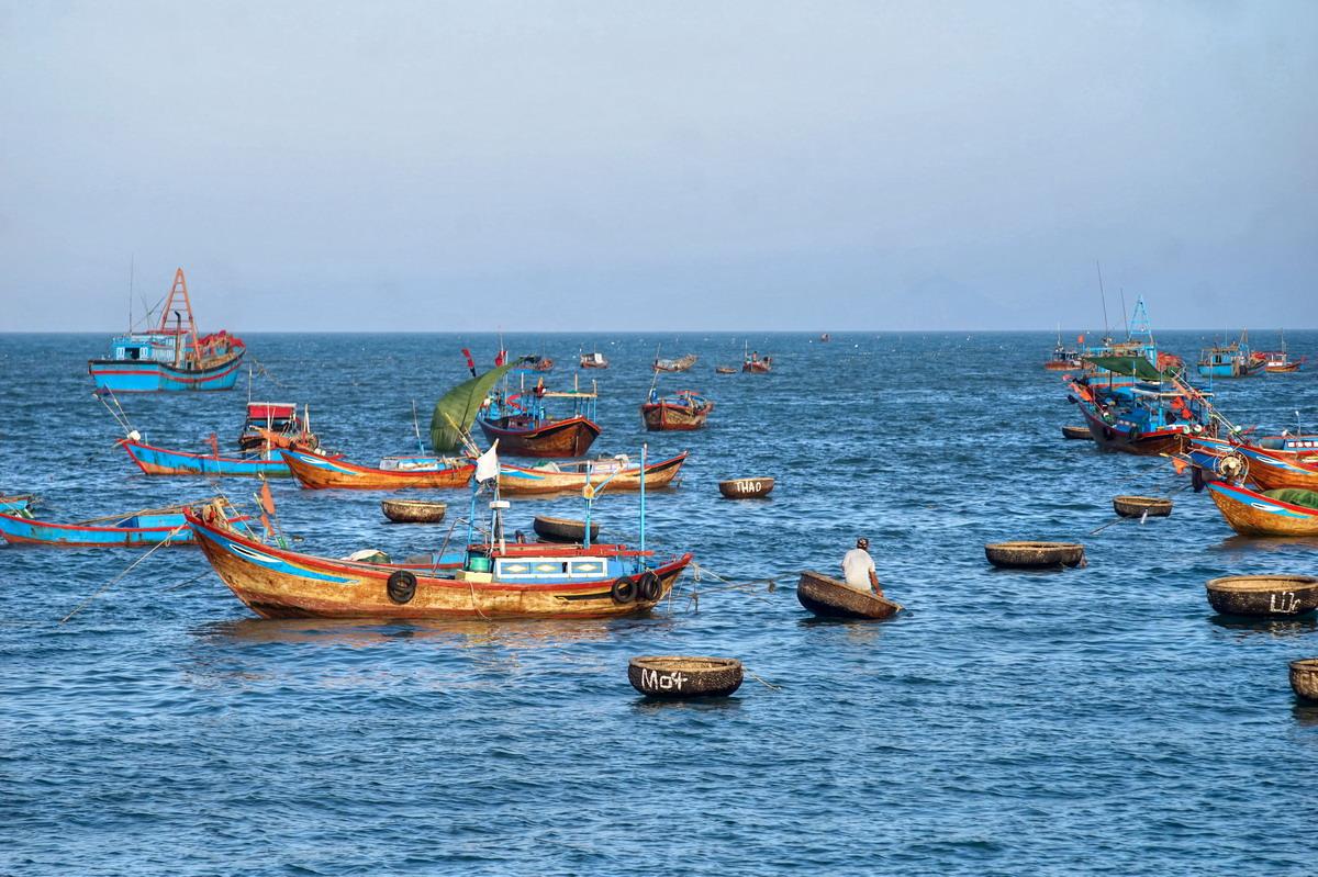 Ô nhiễm môi trường biển Việt Nam – thực trạng và khuyến nghị