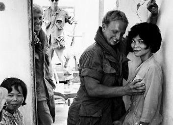 Chùm ảnh: Gái mại dâm ở miền Nam trước 1975 qua ống kính quốc tế
