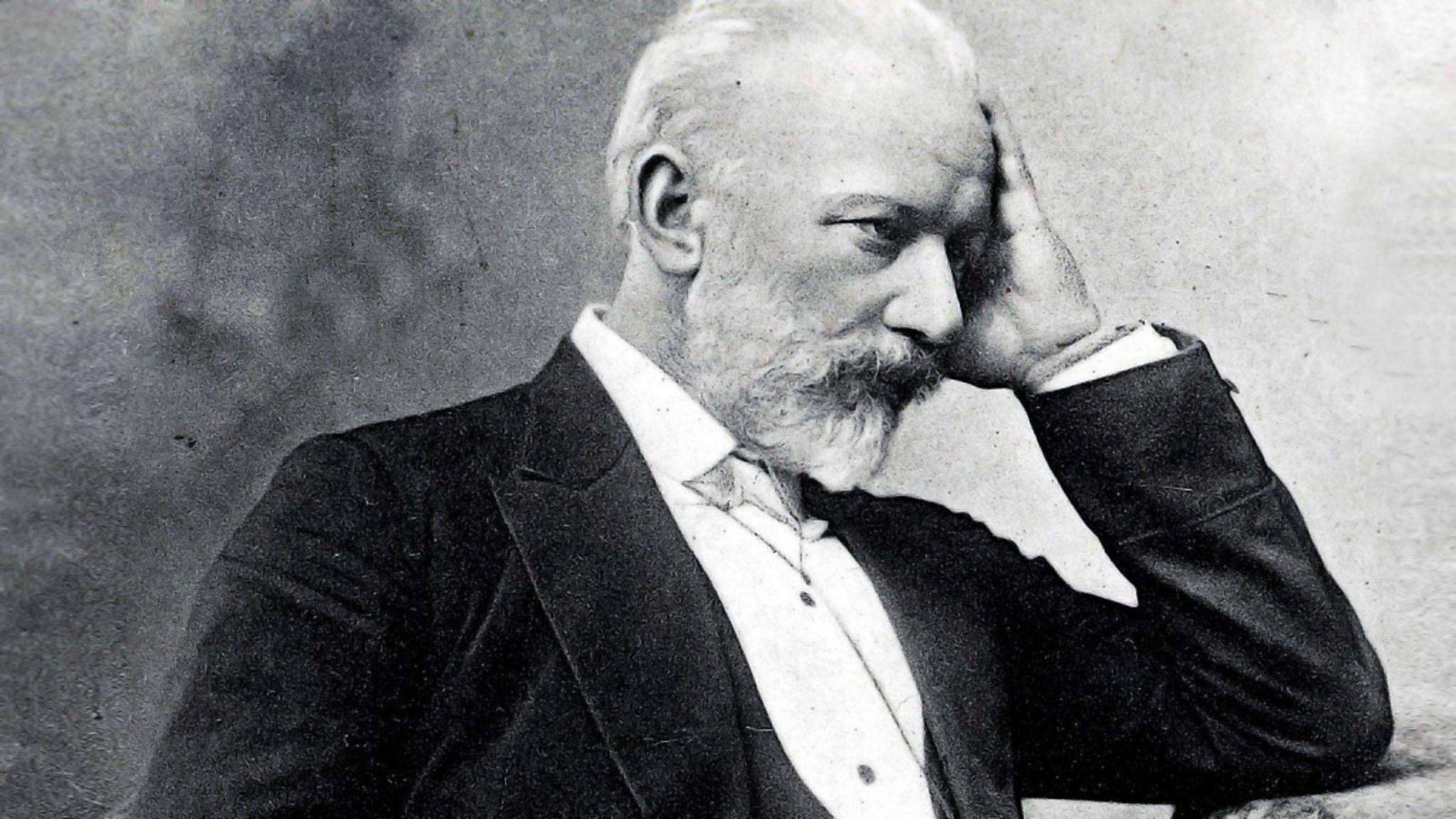 Cuộc đời và sự nghiệp sóng gió của Tchaikovsky