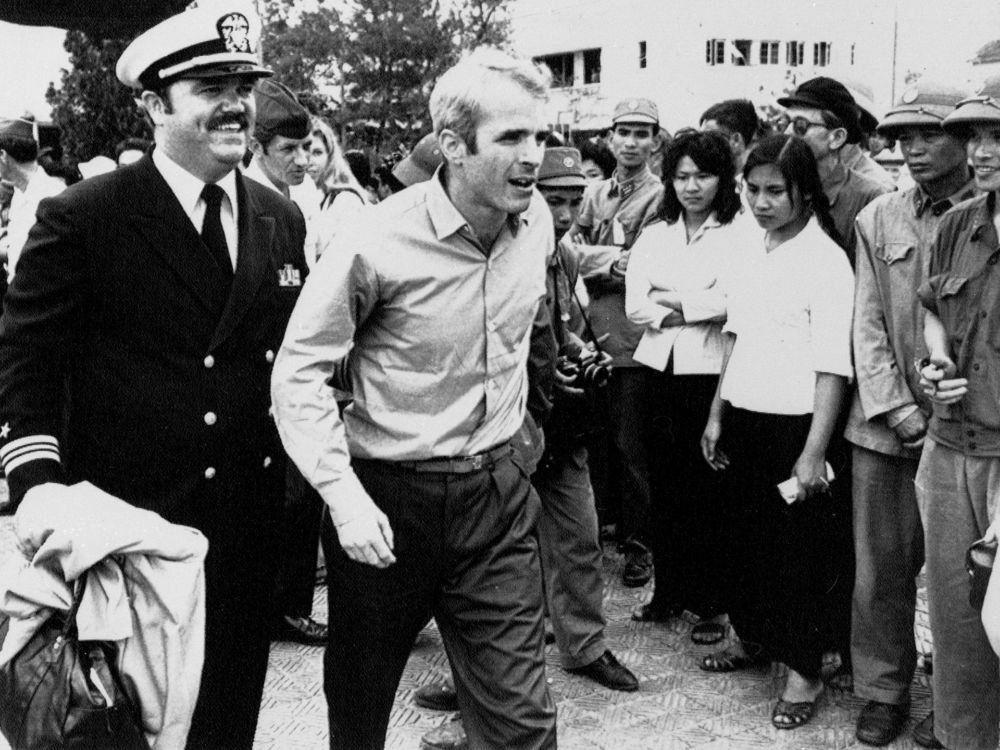 John McCain Hanoi 08 - Chùm ảnh: Phi công John McCain – những tháng ngày ở Hà Nội