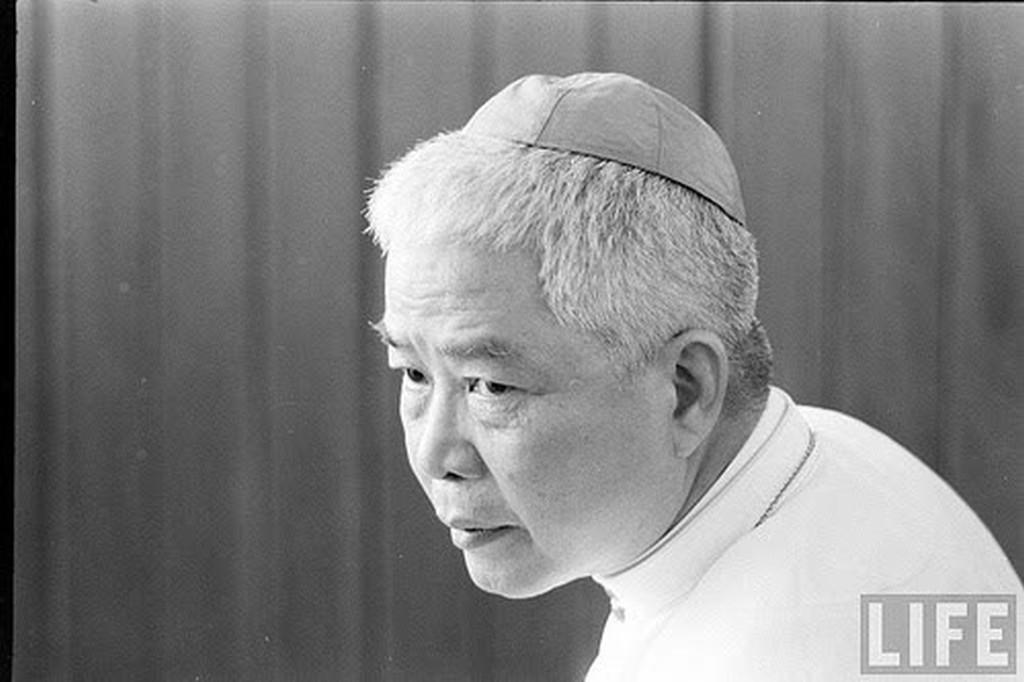 Giám mục Ngô Đình Thục đã thao túng chính quyền Ngô Đình Diệm như thế nào?