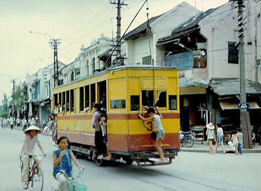 Hình ảnh không thể quên về tàu điện Hà Nội xưa