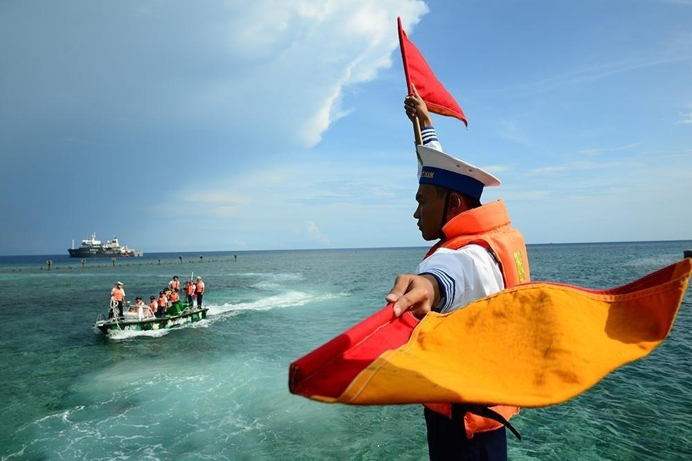 Bàn về học thuyết xây dựng chính sách biển Việt Nam hiện đại