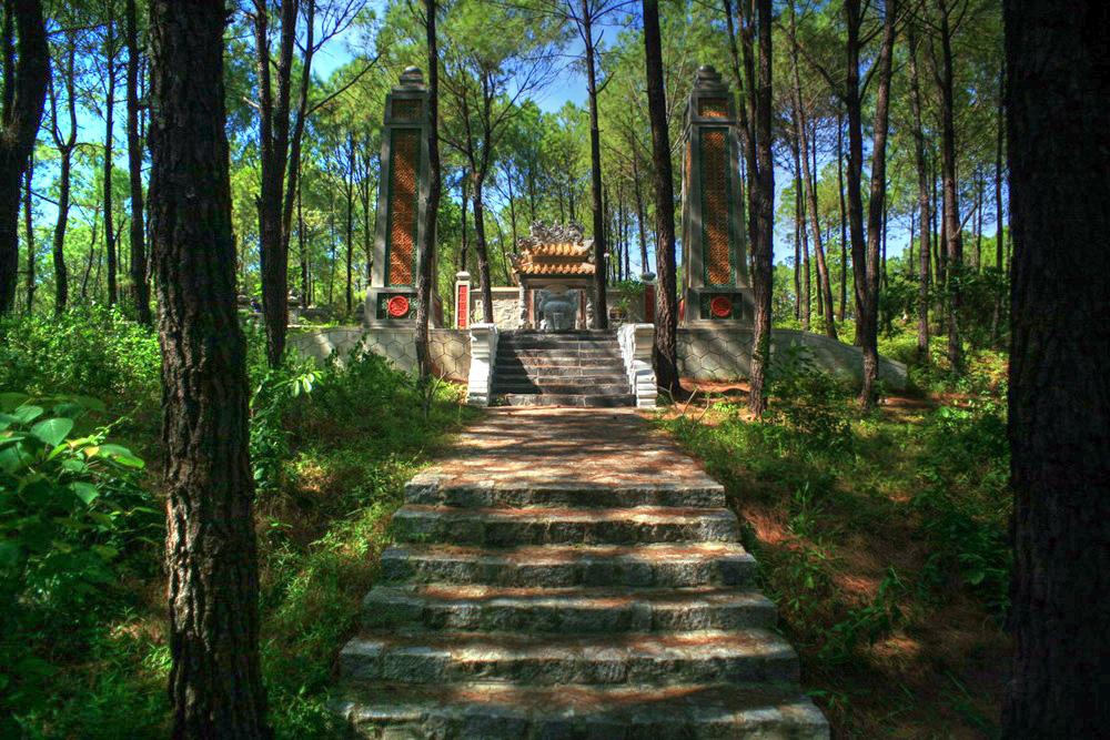 Chùm ảnh: Lăng Hiệp Hòa – nơi an nghỉ ít người biết của một ông vua nhà Nguyễn