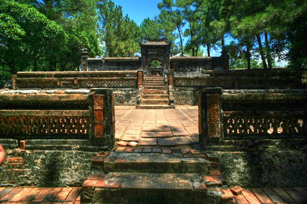 Chùm ảnh: Lăng Kiến Phúc – nơi an nghỉ của ông vua yểu mệnh nhất nhà Nguyễn
