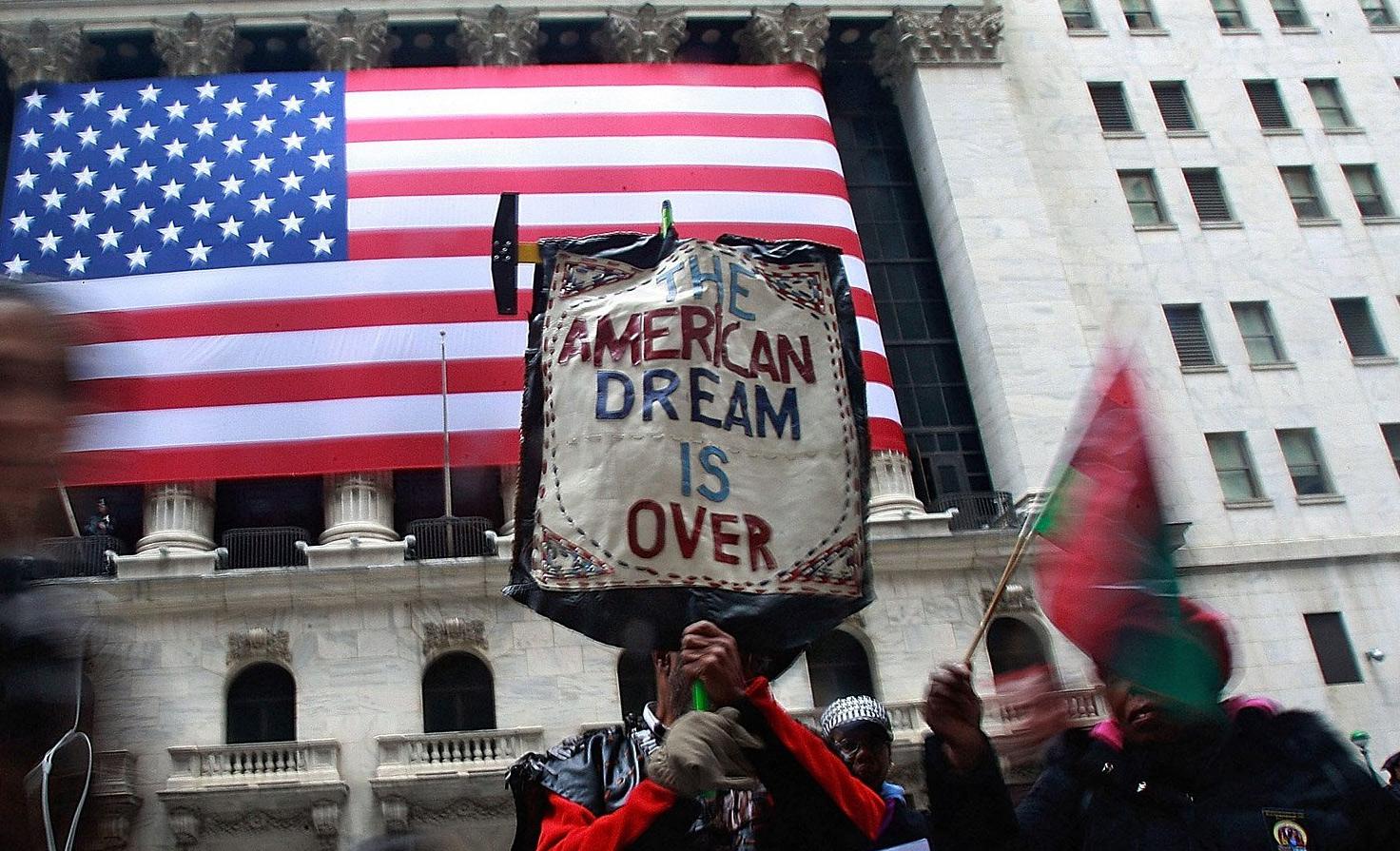 Noam Chomsky: Giấc mơ Mỹ đã chết, CNXH là cho người giàu, và CNTB cho người nghèo