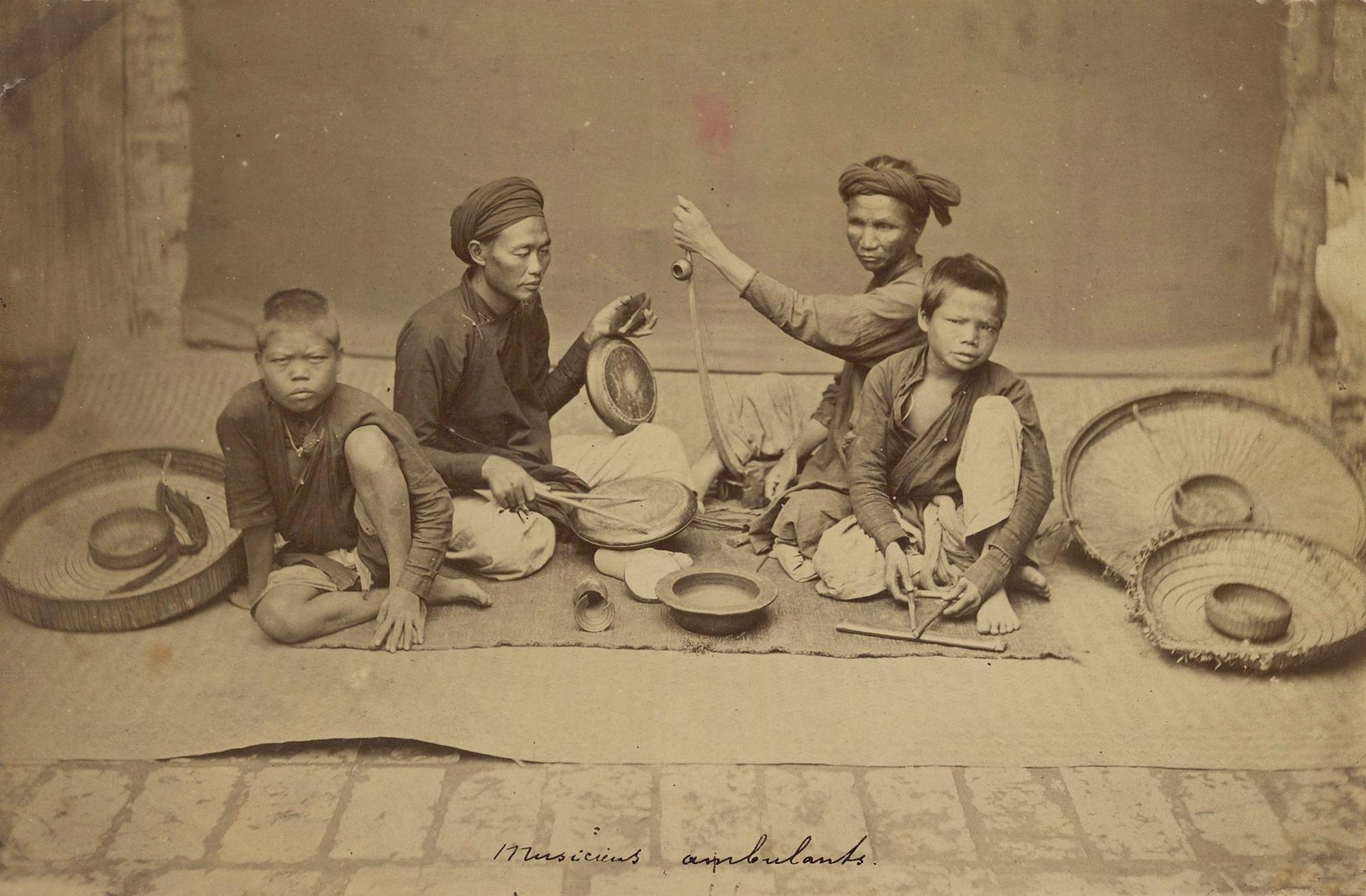 Đời sống ở Hà Nội cuối thế kỷ 19 qua ảnh của Pierre Dieulefils
