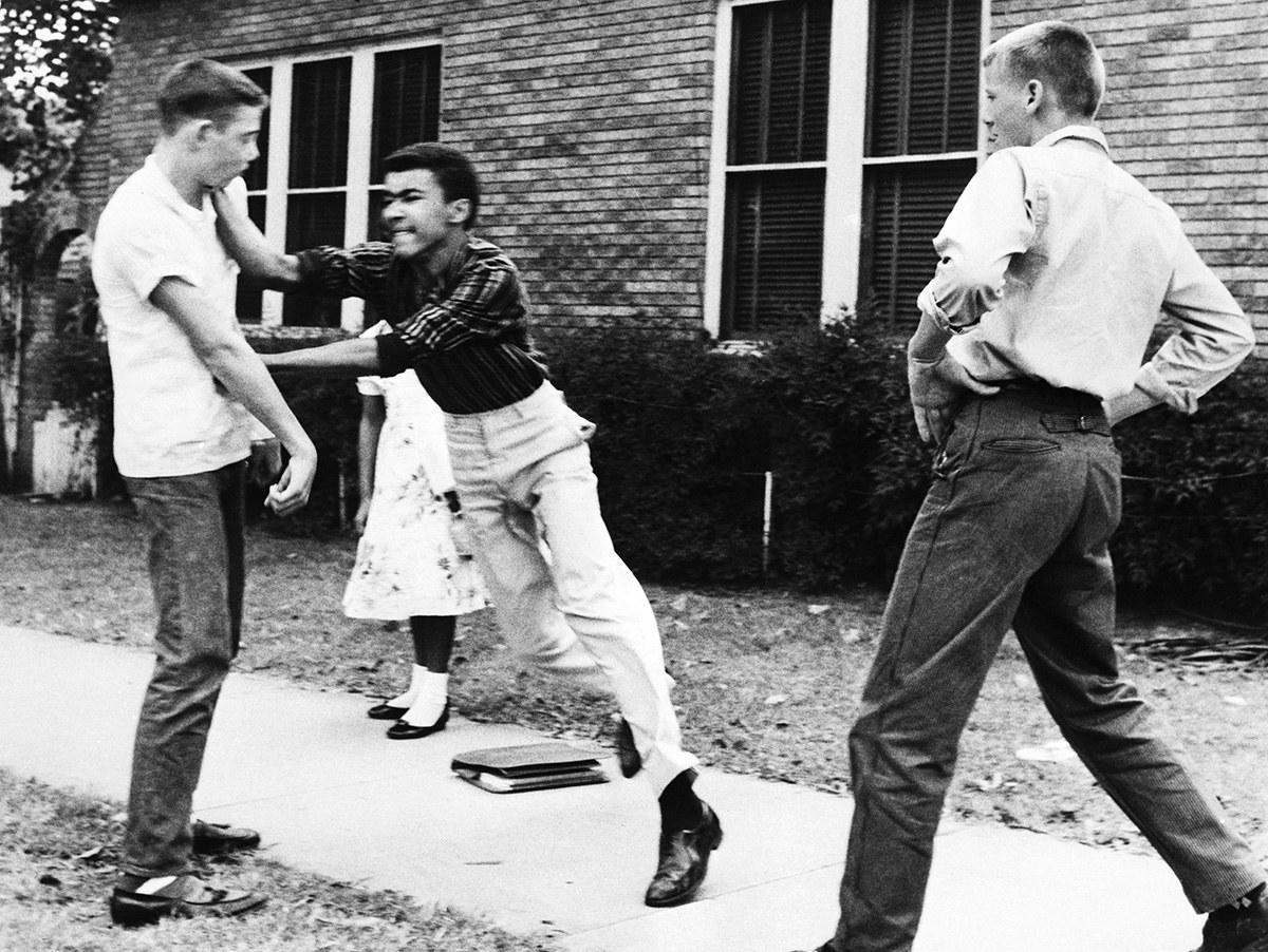 Loạt ảnh gây bàng hoàng về nạn phân biệt chủng tộc ở Mỹ thế kỷ 20