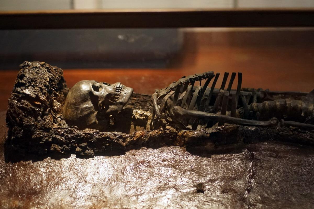 Chùm ảnh: Bên trong một mộ táng còn nguyên vẹn của văn hóa Đông Sơn