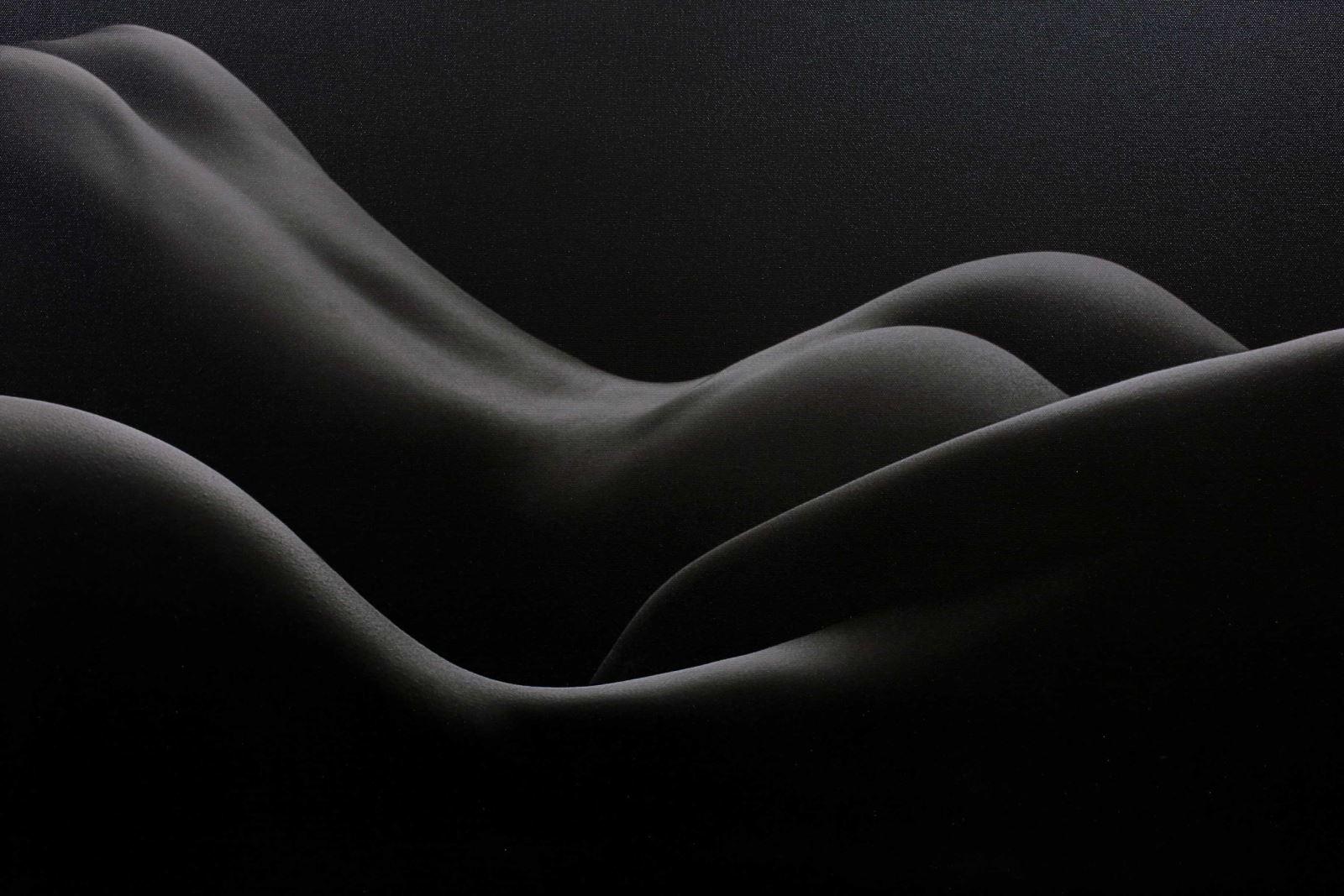 Nghề chụp ảnh khỏa thân: Có sướng hay không?