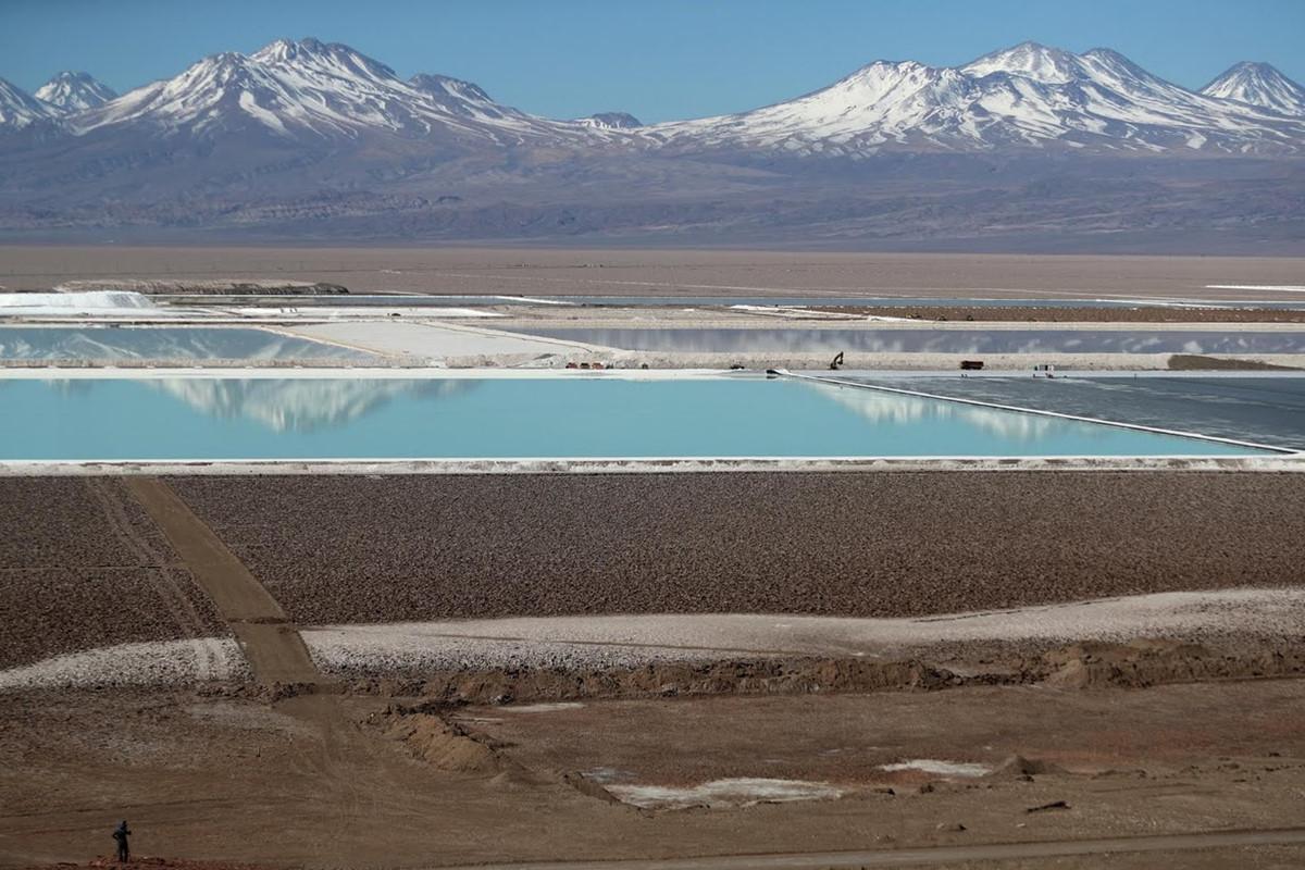 Chùm ảnh: Cuộc chiến giành nguồn nước ở mỏ lithium lớn nhất thế giới