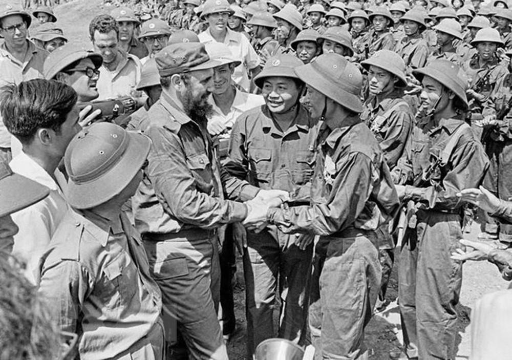 Fidel Castro viết về chuyến thăm lịch sử tới Việt Nam năm 1973