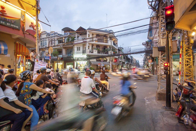 Vì sao Việt Nam ngày càng nhiều 'em bé tuổi 30′?