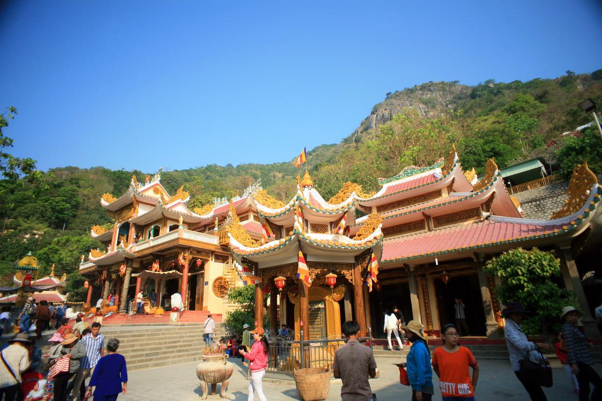 Núi Bà Đen và tín ngưỡng thờ Bà Đen ở Nam Bộ