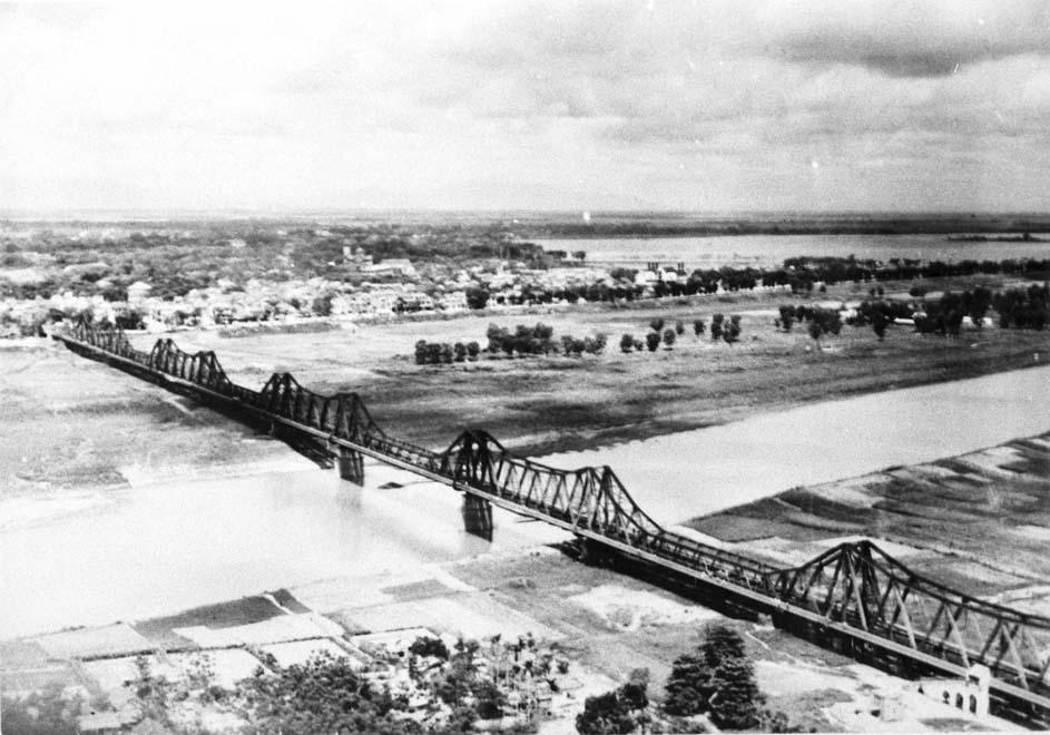 Chùm ảnh: Toàn cảnh Hà Nội thời thuộc địa nhìn từ máy bay
