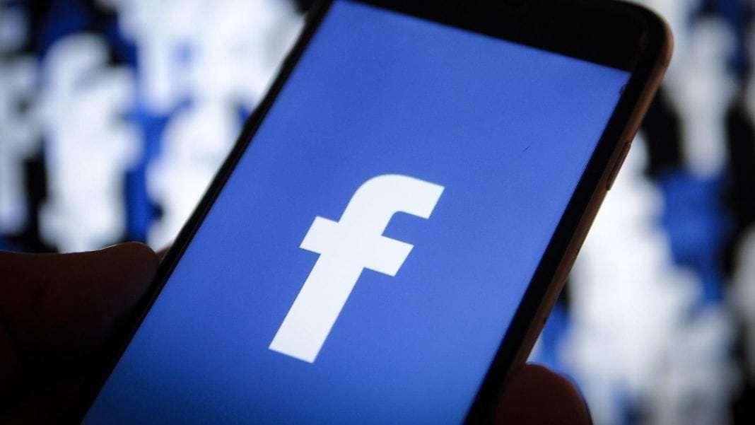 Những trò lố của giới nghệ sĩ trên Facebook