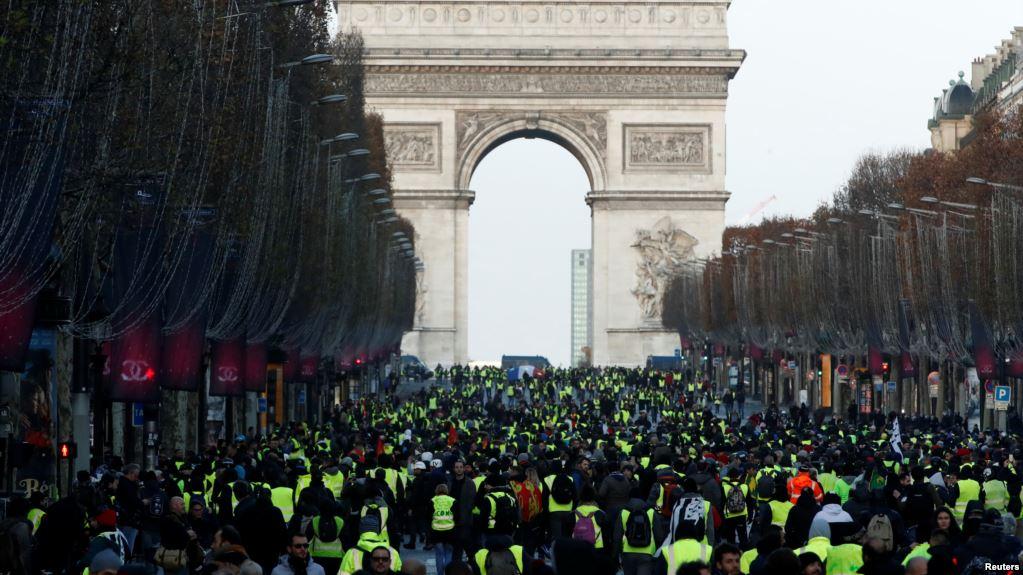 Paris thất thủ. Điều gì đang xảy ra với nước Pháp?