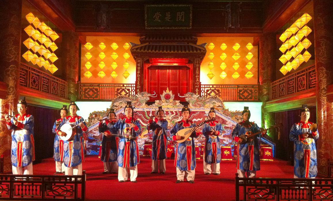 Vì sao nền âm nhạc truyền thống Việt Nam bị thui chột?