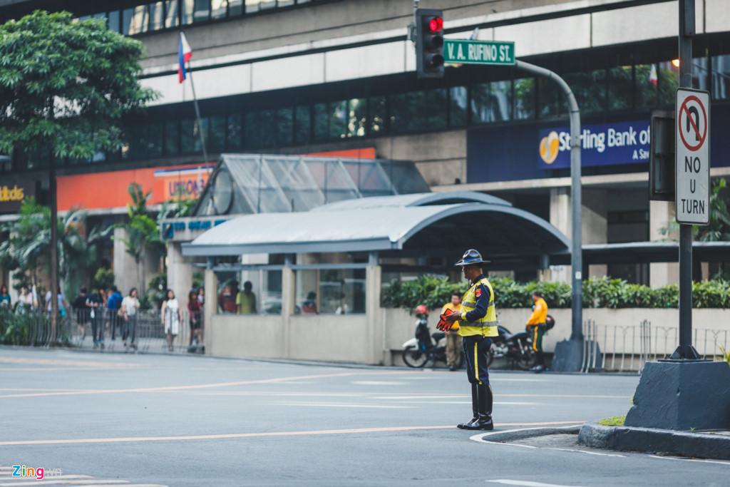 Manila - noi khoang cach giau ngheo xa voi voi hinh anh 17