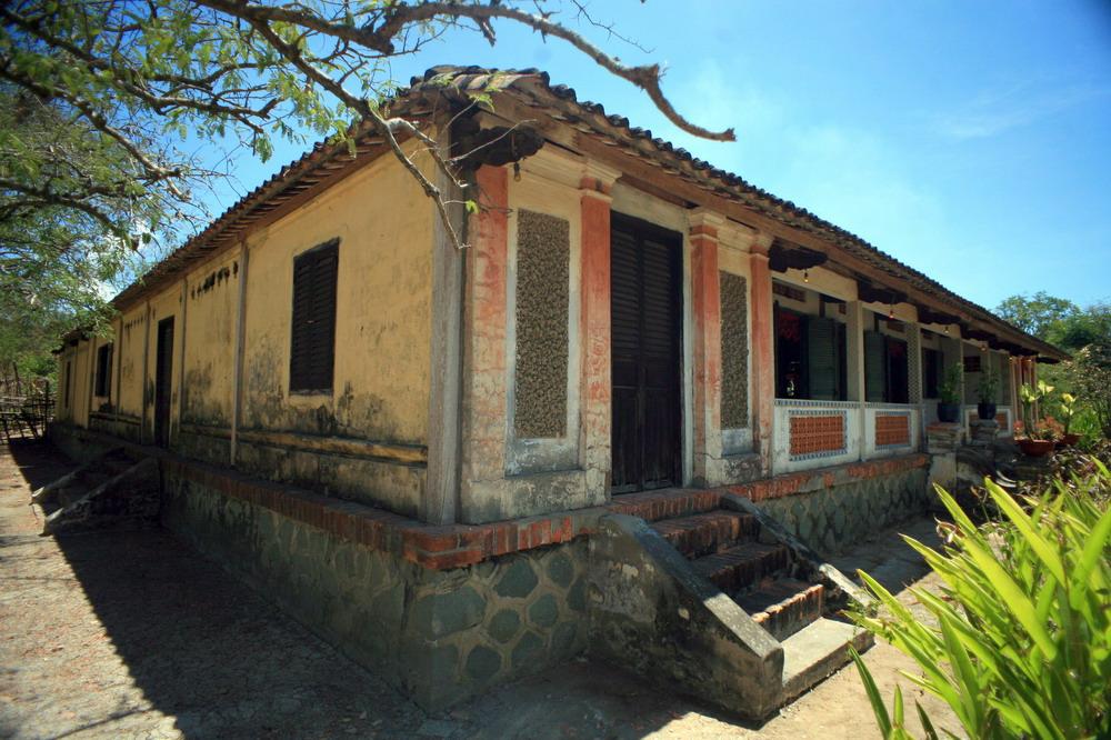 Chùm ảnh: Khám phá ngôi nhà cổ trăm cột nổi tiếng đất phương Nam