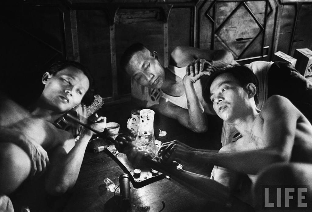 Tệ nạn thuốc phiện ở Sài Gòn năm 1948 qua ống kính quốc tế