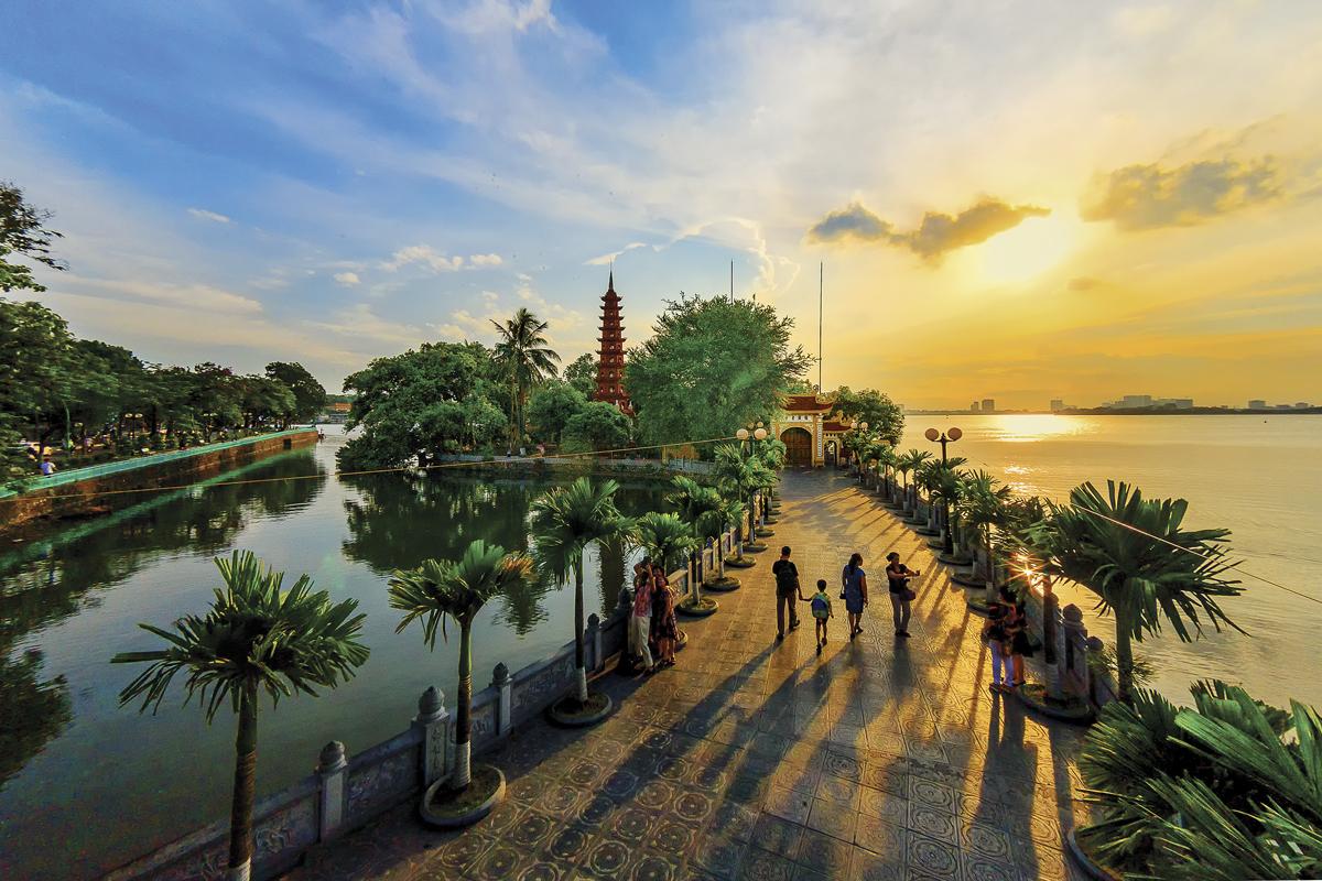 Từ đạo Phật nghĩ về người Việt và cuộc đối thoại giữa các nền văn hóa