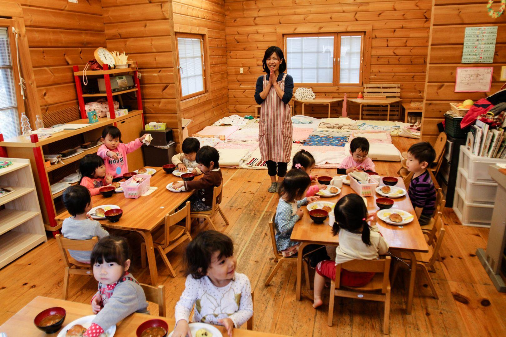 Cách nuôi dạy trẻ 'kỳ quặc' ở trường mầm non Nhật Bản