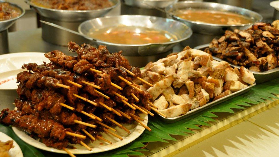 Người dân Philippines rất thích ăn thịt heo. Món ăn ưa thích của họ là