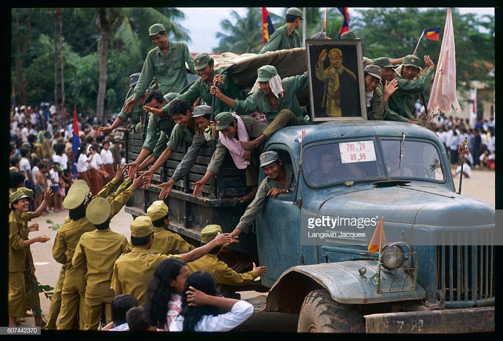 Việt Nam đã đánh tan 20 sư đoàn Khmer Đỏ trong nửa tháng như thế nào?