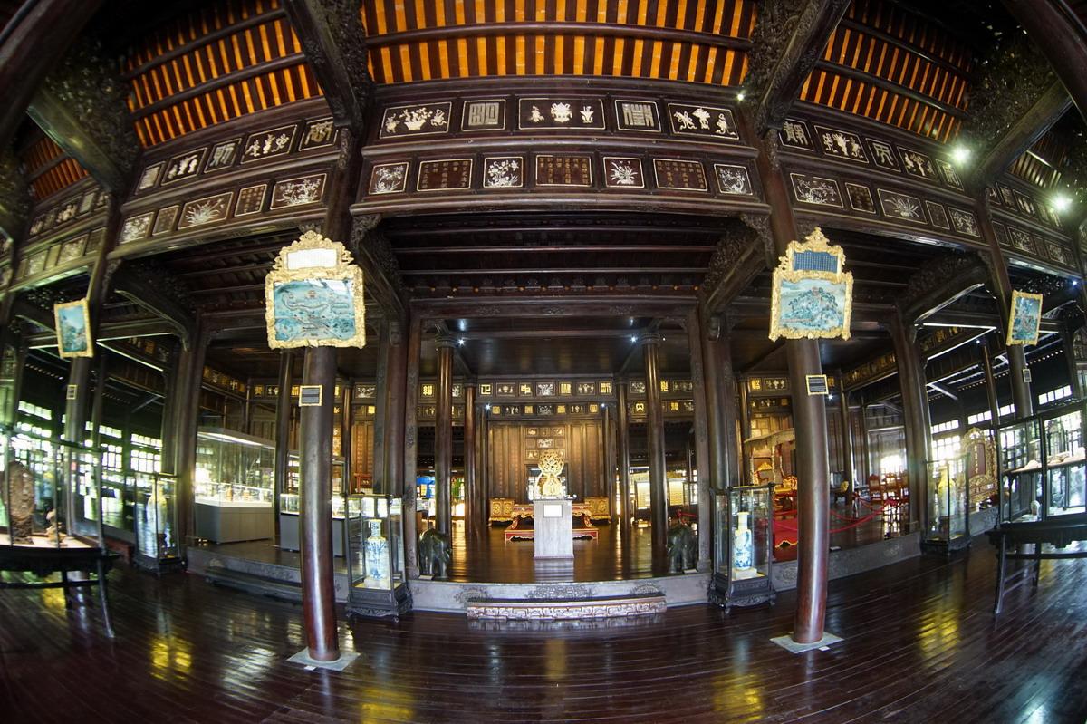 Chùm ảnh: Điện Long An – cung điện đẹp nhất của vương triều Nguyễn