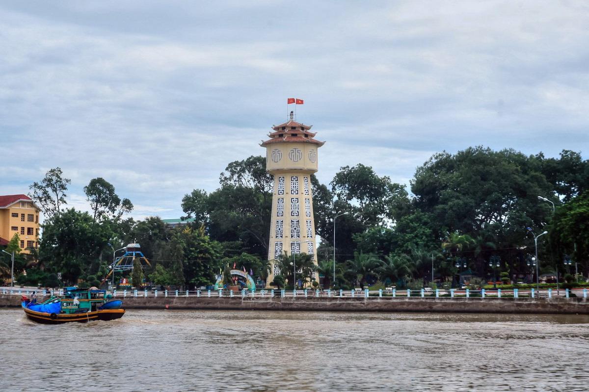 Chùm ảnh: Tháp nước Phan Thiết – 'món quà' dành cho Việt Nam của hoàng thân Lào