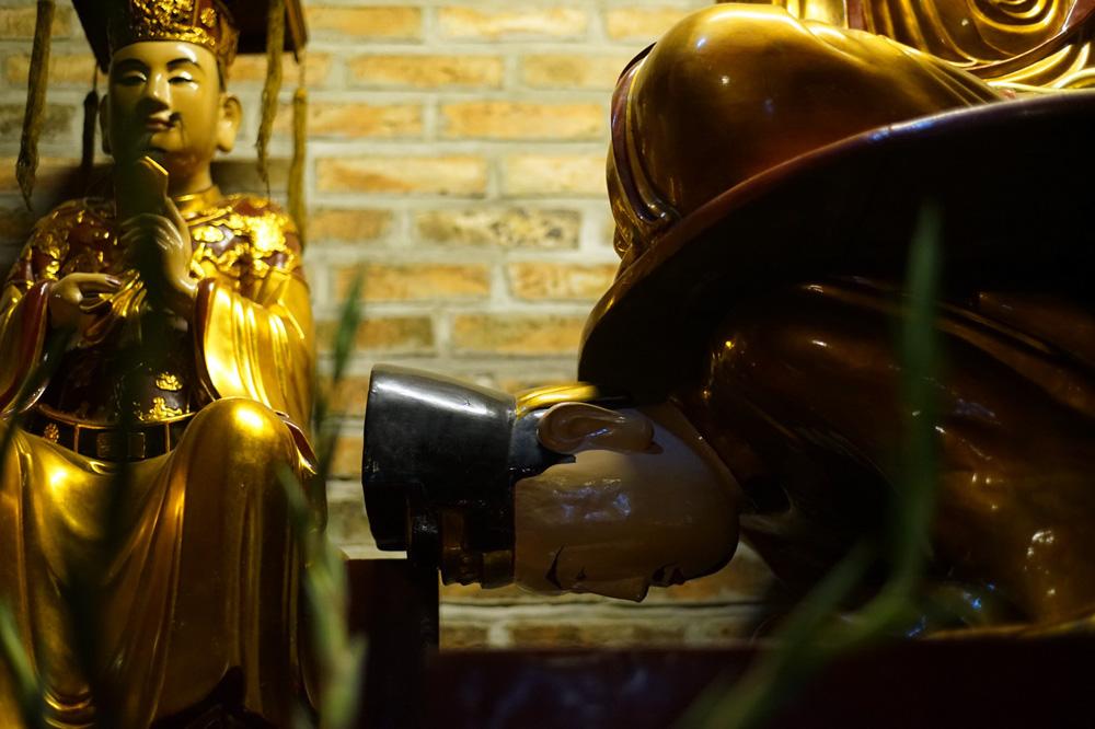 Chùm ảnh: Độc đáo bức tượng 'Phật cưỡi vua' hơn 400 tuổi ở Hà Nội