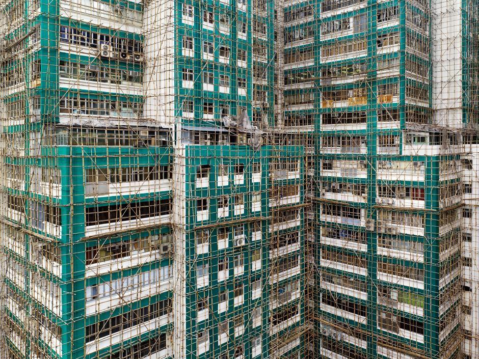 [Ảnh] Ấn tượng với cách người Hồng Kông xây dựng những tòa nhà chọc trời chỉ với giàn giáo bằng tre - Ảnh 4.