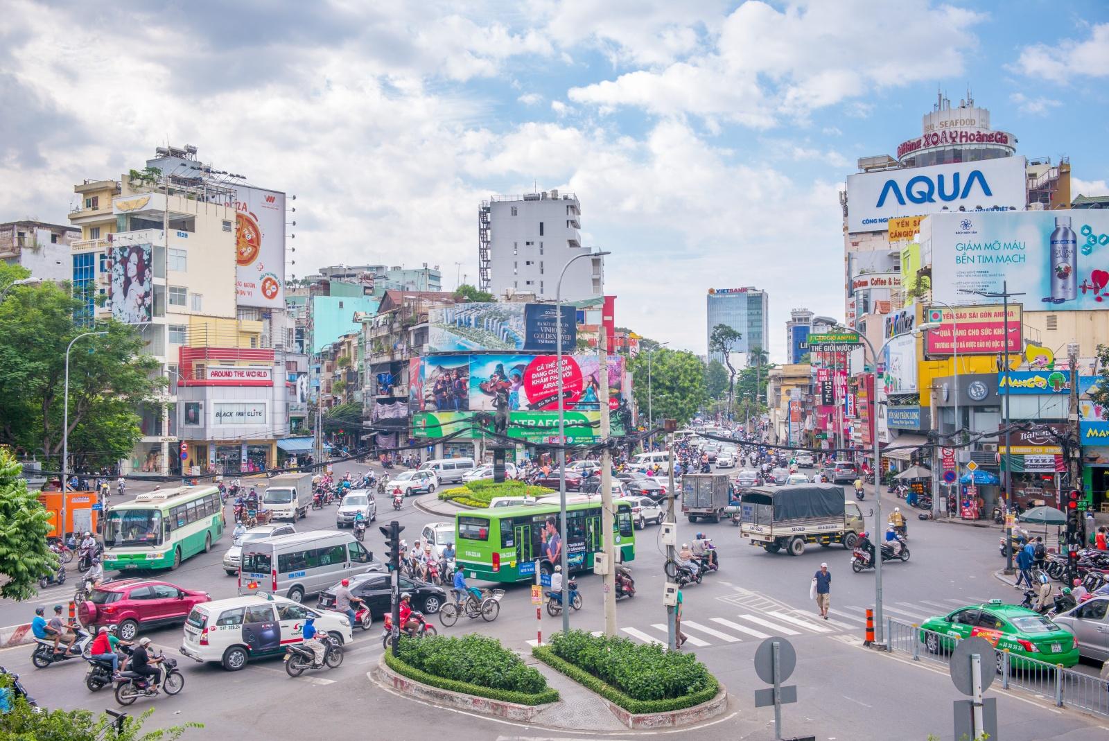 Sự suy thoái và biến dạng các giá trị nhân văn ở Việt Nam