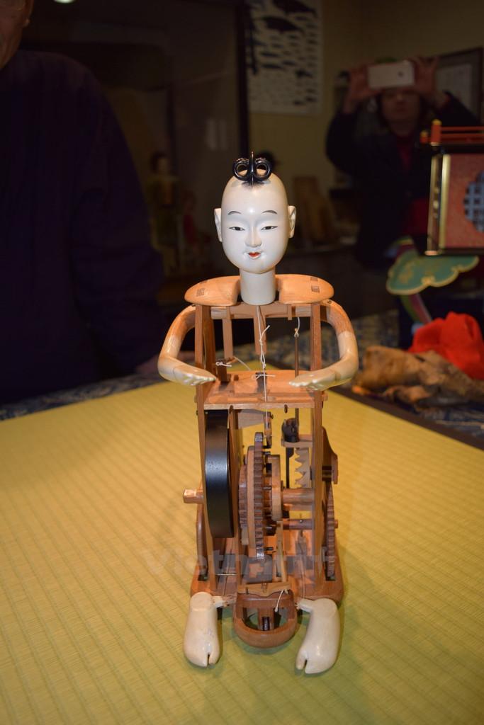 Can canh robot bang go tu thoi ky phong kien cua Nhat Ban - Anh 1