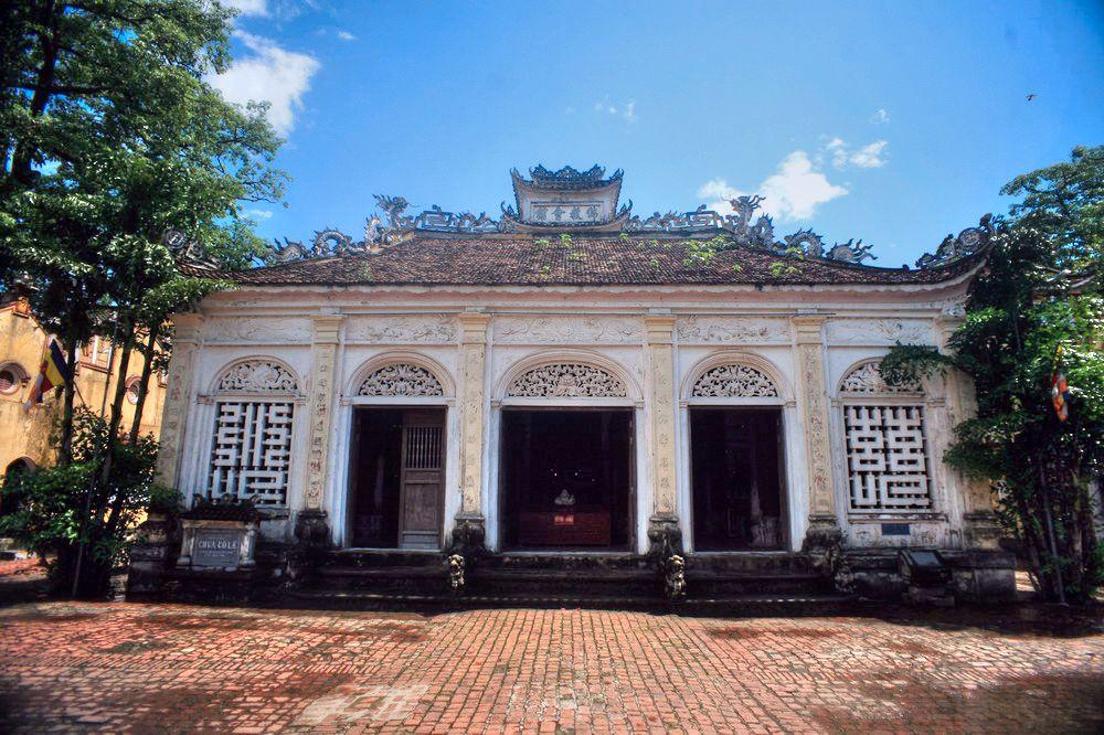 Chùm ảnh: Chùa Cổ Lễ – khi kiến trúc Gothic được áp dụng ở một ngôi chùa cổ