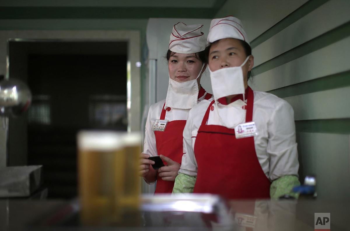 Chùm ảnh: Người lao động ở Triều Tiên qua ống kính phóng viên AP