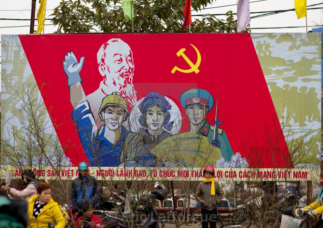 Nhận diện những nguy cơ bên trong của Đảng Cộng sản Việt Nam