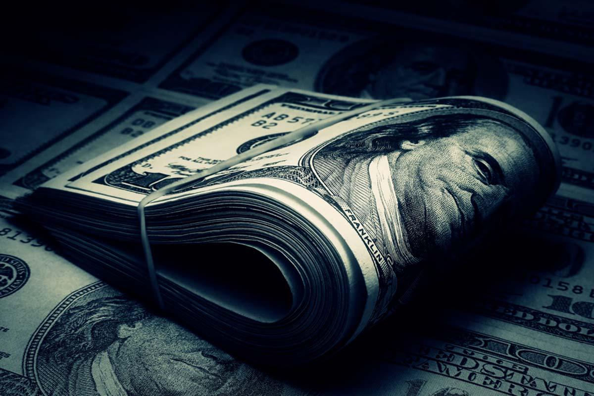 Hai thái cực của chủ nghĩa sùng bái đồng tiền