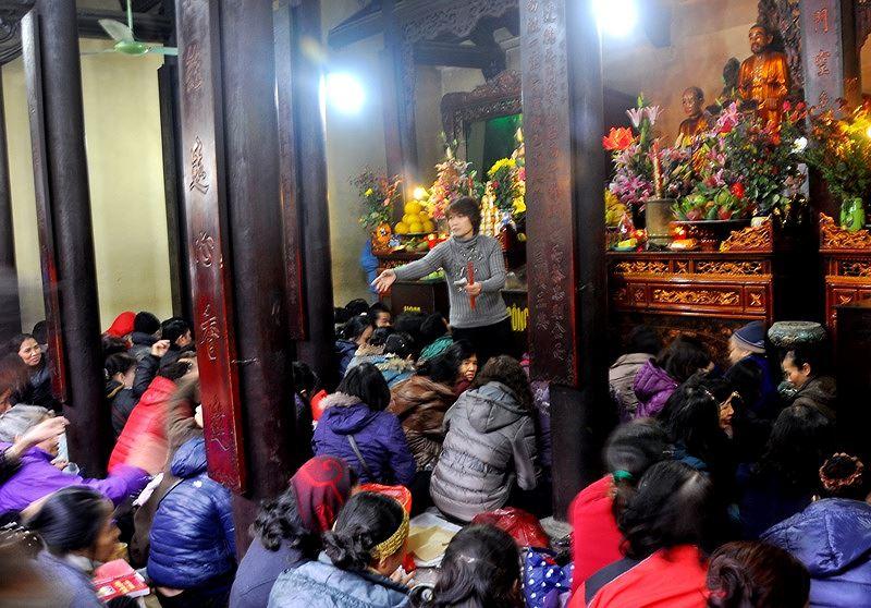 Khi con người biến thần, Phật thành đầy tớ